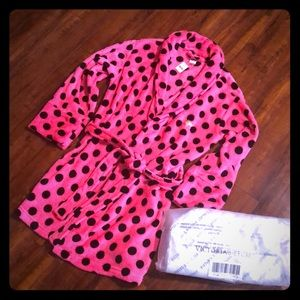 🆕. Vs Pink Robe/Free Tote